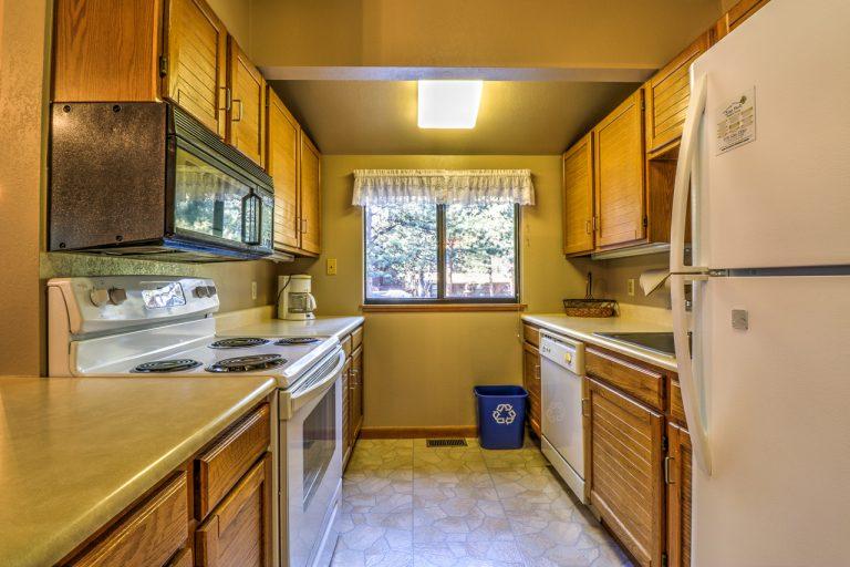 Castle Spruce Estes Park Cabins-3