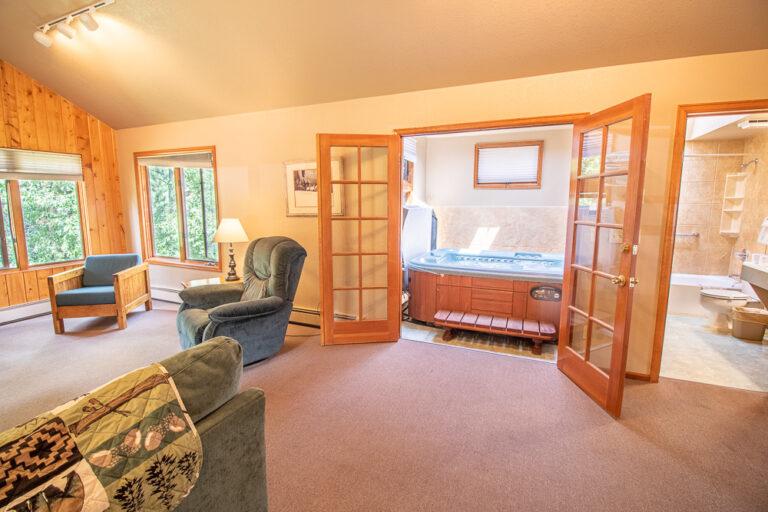 private hut tub cabins